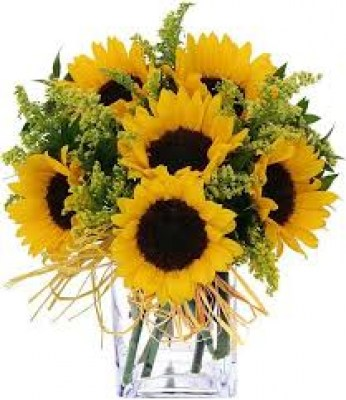 5-sunflowers-in-a-vase