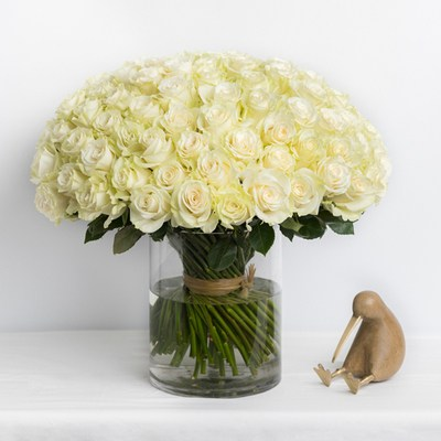 grand-josephine-100-white-roses-ode-a-la-rose-400x400-25898